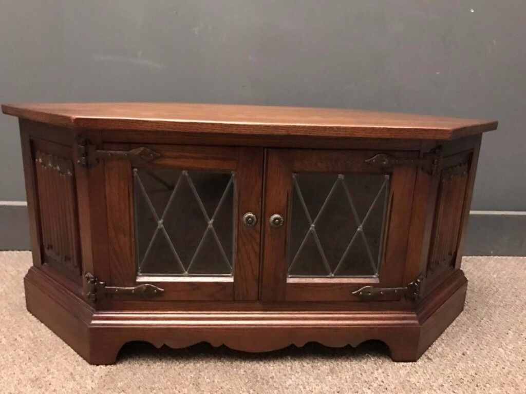 BEAUTIFUL WOOD BROS OLD CHARM TV UNIT STAND CABINET LINENFOLD. BEAUTIFUL WOOD BROS OLD CHARM TV UNIT STAND CABINET LINENFOLD   in