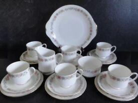 Vintage 21-piece Paragon 'Belinda' bone china tea set