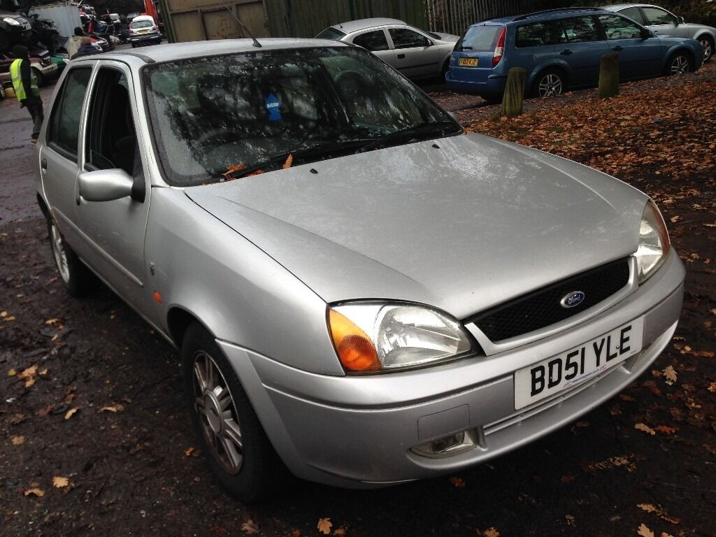 2001 ford fiesta mk5 1 4 ghia 5dr silver breaking for spares in hall green west midlands. Black Bedroom Furniture Sets. Home Design Ideas