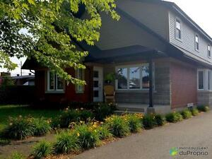 259 000$ - Maison 2 étages à vendre à Granby