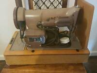 Vintage SINGER sewing Machine Circa 1958