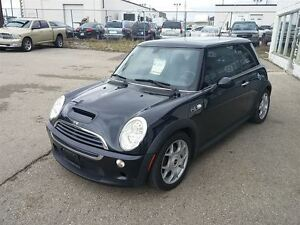 2006 MINI COOPER S panaramic roof 6 speed Standard