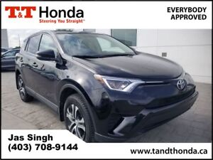 2016 Toyota RAV4 LE* Rear Camera, Bluetooth, AUX/USB *