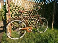 Bobbin 'Day tripper' unisex town bike. Fantastic condition. Barely used and just serviced