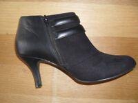 Marks & Spencers Black Shoe/Boot Size 7