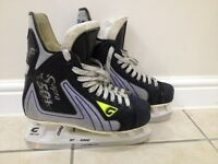 Ice Skates size 6 in good condition.