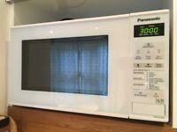 Microwave Panasonic with Warranty - EXCELLENT CONDITION