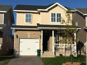 EAST END 2 BED DETACHED HOME!  713 Margaret Way