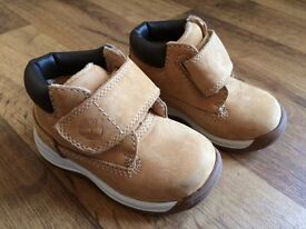 GENUINE TIMBERLAND TODDLER BOOTS. SIZE 4. SAND COLOUR. VGC