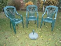 3 Garden Chairs With a Parasol Base