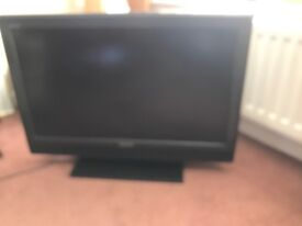 Bravia 32 ins television with freeview