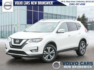 2019 Nissan Rogue SV AWD | HEATED SEATS | NAV | BACK UP CAM