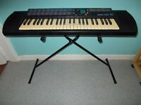 Yamaha (PSR-76) (Keyboard & stand) Loook**