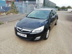 Vauxhall astra 1.4 petrol, manual, 2012 registered, hpi clear, air-con, service record, 2 keys