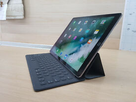 "AppleiPad Pro 12.9"" Massive 256 GB And With Apple Smart Keyboard"