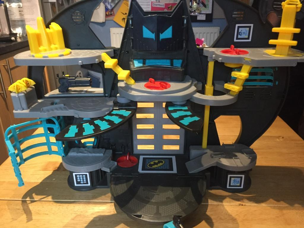 Fisher-Price Imaginext DC Super Friends Batcave Set