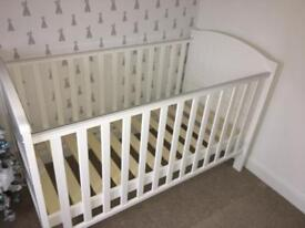 White wooden cot/cot bed