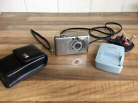 Canon IXUS 50 / PowerShot Digital ELPH SD400 5.0MP Digital Camera - Silver