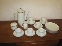 Coffee set - Fine White Porcelain with GOLD rim - 6 settings