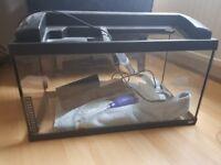Glass rena fish tank 60L with working light, free stingray filter.