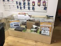 shop retail glass counters in good conditions