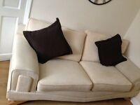 GOOD QUALITY CREAM 3 PIECE SUITE CONSISTING OF LARGE 2 SEATER SETTEE 87 x 38 2 CHAIRS 47x 39