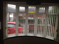 Curved bay window blind