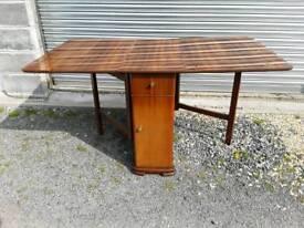 Gateleg dining table with storage
