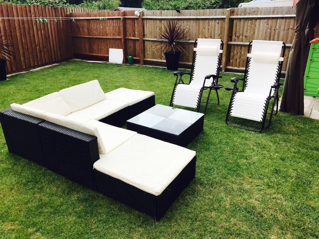 Rattan furniture and two recliner chair nearly newin Coventry, West MidlandsGumtree - Only week old like nwe ! grab bragain !;) 07880257106 David call me or text me