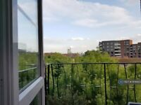 4 bedroom flat in Torbay Court, London, NW1 (4 bed) (#1106403)