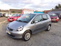 STUNNING HONDA JAZZ SE AUTOMATIC//LOW MILEAGE WARRANTED//SERVICED AND READY TO GO