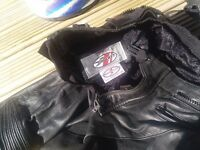 Joe Rocket 2 piece motorcycle leathers, good condition, waist 34 chest 44, nice piece of kit