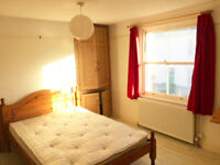 Double Room to let in the North Laines Brighton. IDEAL for Commuters!