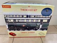 Hornby premier boxed set Orient Express model train set and carriages.
