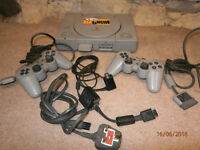 PS1 console & accessories