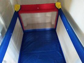 Travel Cot with mattress in very good condition