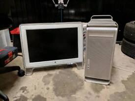 Apple G5 desktop and monitor
