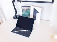iPad Pro 10.5, 64GB, Wifi & Cell. ➕ Apple Pencil & Smart KB