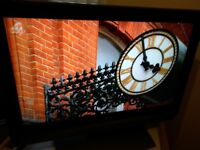 LG 32 INCH FREEVIEW GREAT FOR GAMING FIRE STICK ETC