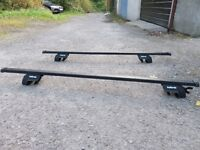 Halfords roof bars for car with roof rails