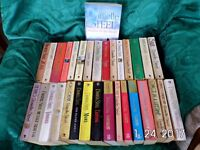 Danielle Steel paperback books x 32 - in very good condition.
