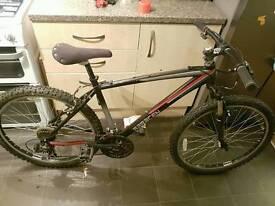 """Mens 18"""" mountain bike saracen. Not specailized trek whyte giant"""