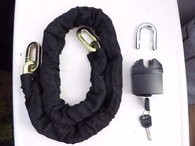 Large chain for scooter / motorbike, 1.2m long, padlock and keys NEW