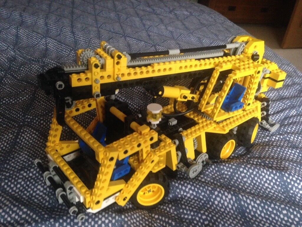 Lego Technic Pneumatic Crane Truck Boxed With Instructions Set 8438