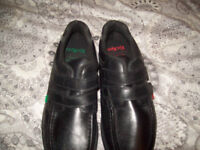 kickers black shoe size9