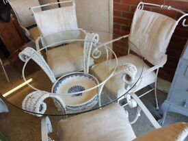 Shabby chic conservatory table whit 4 chairs