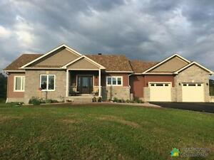 $615,000 - Bungalow for sale in Carleton Place