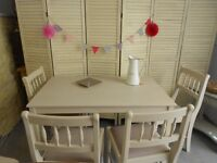 Lovely Painted Dining Table & 4 Chairs