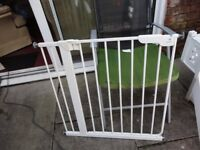 no 10 babydan stair gate with fittings