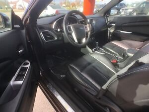 2012 CHRYSLER 200 LX- CRUISE CONTROL, CD PLAYER, POWER LOCKS & W Windsor Region Ontario image 12